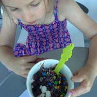 Photo taken at Menchie's Frozen Yogurt by Social S. on 5/14/2013