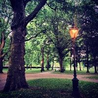 รูปภาพถ่ายที่ Green Park โดย Kelly J. เมื่อ 6/25/2013