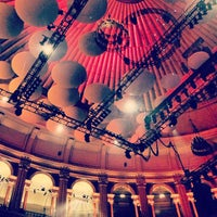 Foto scattata a Royal Albert Hall da Kelly J. il 6/23/2013