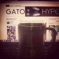 Photo taken at QG GATO HYPE by Kaique B. on 6/16/2013