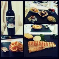 Foto tirada no(a) Trilye Restaurant por Sirvan Reya N. em 5/22/2014