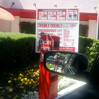 Photo taken at In-N-Out Burger by Stephanie L. on 4/18/2013