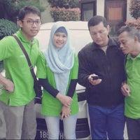 Foto scattata a Kantor Pemasaran Tamansari Bukit Mutiara Balikpapan da kurnain i. il 5/24/2013