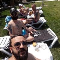 Photo taken at Saklıköy Restaurant Ve Havuz by Sertan Y. on 6/27/2017