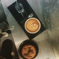 Foto tirada no(a) Voyager Espresso por Intelligensius A. em 5/5/2016