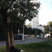 Foto tirada no(a) Praça do Panamby por Rodolfo S. em 8/22/2013