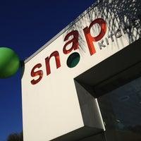 Das Foto wurde bei Snap Kitchen von Brad J. am 3/12/2013 aufgenommen