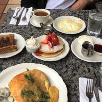 Photo taken at Richard Walker's Pancake House La Jolla by Sultana on 2/12/2017