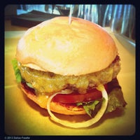 Das Foto wurde bei Hopdoddy Burger Bar von Dallas Foodie (. am 5/12/2013 aufgenommen