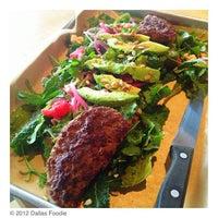 Das Foto wurde bei Hopdoddy Burger Bar von Dallas Foodie (. am 1/8/2013 aufgenommen