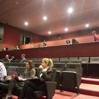 3/12/2013にDogukan Bora S.がİstanbul Üniversitesi Kongre Kültür Merkeziで撮った写真