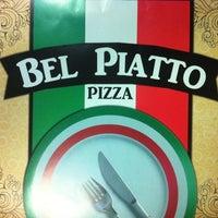 5/3/2013 tarihinde Eyup U.ziyaretçi tarafından Bel Piatto Pizza'de çekilen fotoğraf