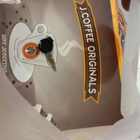 Photo taken at J.Co Donuts & Coffee by ✨D4V1D ✨ on 10/2/2015