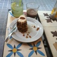 Foto tirada no(a) Spice Café por Fabrizio P. em 6/13/2014