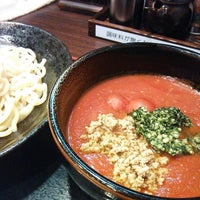 Photo taken at 麺造 鉄神 by hiro m. on 7/25/2013