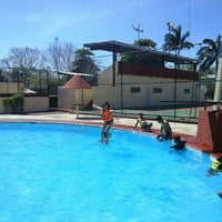 Photo taken at Deportivo F.U.T.V. piscinas by Alexander A. on 4/20/2014