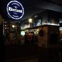 Foto tirada no(a) Mönch Bier Pub Cervejas do Mundo por Mönch B. em 2/23/2015