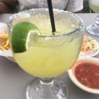 รูปภาพถ่ายที่ Azteca Mexican Restaurant โดย Omar-Jeffrey D. เมื่อ 5/5/2018