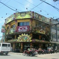 Photo taken at Buddy's Pizza Lucena Quezon Avenue by Bert C. on 4/28/2015