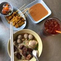 Photo taken at Yak Yai Noodle Soup by Pizza P. on 3/13/2017