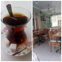 Foto tirada no(a) Gülümse Cafe por Merve K. em 7/30/2015