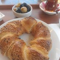 3/24/2017 tarihinde Merve K.ziyaretçi tarafından Sini ev Böreği&Baklava'de çekilen fotoğraf