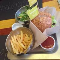 Снимок сделан в The Burger пользователем Lana F. 6/20/2015