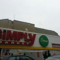 Foto scattata a Simply da Ylenia M. il 1/12/2013