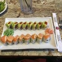 Photo prise au Tasu Asian Bistro Sushi & Bar par Brandi D. le4/7/2015