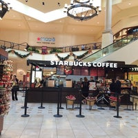 Photo taken at Starbucks by Tota on 12/2/2013