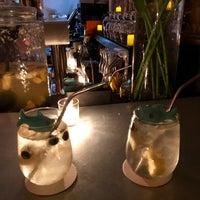 Foto tirada no(a) Pocket Bar NYC por Inji J. em 6/30/2017