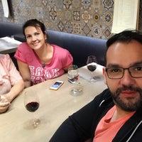 Foto diambil di Restaurante Pasaje oleh Arlinda M. pada 5/23/2018