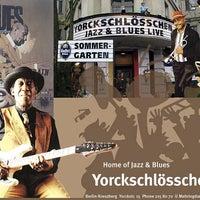 Photo taken at Yorckschlösschen by Künstlervereinigung Les MontmARTrois en Europe &. on 11/25/2015