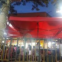 Photo taken at Restoran Double Seven (孖漆茶餐室) by Benjamin S. on 1/13/2018