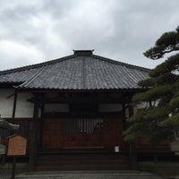 Photo taken at 十念寺 by やこ  . on 2/29/2016