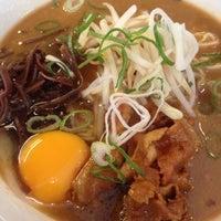 Photo taken at 横浜家系 麺屋 はやぶさ by やこ  . on 5/19/2013