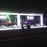 1/26/2013 tarihinde Akhnaten M.ziyaretçi tarafından White X  Beach Lounge'de çekilen fotoğraf