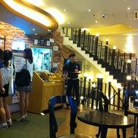 Photo taken at Angel-in-us Coffee by Hwa Seek J. on 7/23/2013