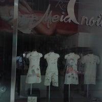 Photo taken at meia noite moda íntima by Melbson N. on 9/22/2014
