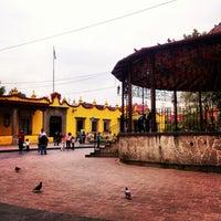Photo taken at Jardín Hidalgo by Alberto O. on 7/17/2013