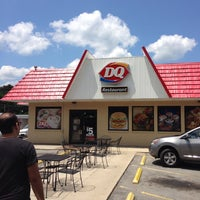 Photo taken at Dairy Queen by John V. on 7/25/2013