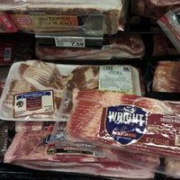 Photo taken at Kroger Signature #376 by Yellowroux on 10/2/2012
