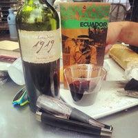 Das Foto wurde bei Central Market Café von Neal am 6/24/2013 aufgenommen