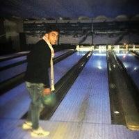 Photo taken at Golden Bowling by Khemiri H. on 12/27/2014