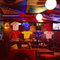 11/26/2012 tarihinde Yasin K.ziyaretçi tarafından Hangover Cafe & Bar'de çekilen fotoğraf