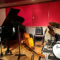 Photo taken at The Jazz Room at The Kitano by Damien C. on 6/25/2016
