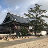 Photo taken at 高田本山 専修寺 by Katsu on 1/3/2018