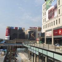 Photo taken at 西单华威商城 Xidan Huawei Shopping Center by Katsu on 8/5/2015