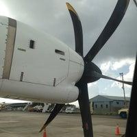 Foto diambil di A.N.R. Robinson International Airport (TAB) oleh Horacio H. pada 7/26/2013