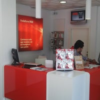 Photo taken at Niza Móviles (Vodafone) by Francisco P. on 8/27/2013